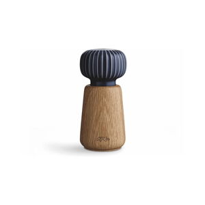 Mlýnek z dubového dřeva na koření s tmavě modrým detailem z porcelánu Kähler Design Hammershoi, výška 13 cm