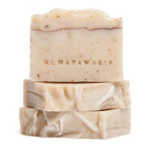 Ručně vyráběné přírodní mýdlo Almara Soap Ovesný koláč